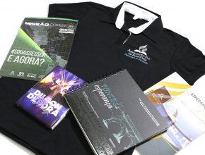 Um kit, com materiais personalizados, foi preparado para cada participante.