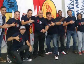 Ao centro, pastor Paulo Rojaime, com os líderes da cidade de Rio Verde, interior de Goiás.