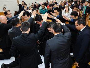 Há um crescimento no número de formandos em Teologia na América do Sul, porém diminui a quantidade de chamados para a obra pastoral.