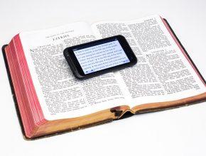 Desafio é associar o evangelho milenar com tecnologias tão novas