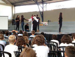 O programa foi apresentado aos alunos durante o dia na escola, e à noite, os pais e convidados assistiram na IASD Central de Curitiba.