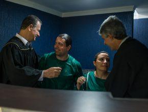 O casal de funcionários: Zildenei Ruis e Soreni Gomes, batizaram-se juntos ao final da programação.