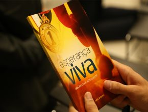 Livro Esperança Viva, escrito pelo orador do programa Está Escrito da TV Novo Tempo pastor Ivan Saraiva