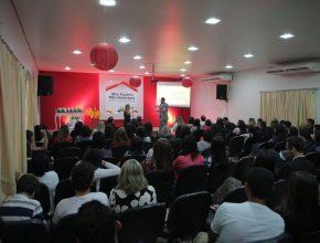 Professores reunidos na Escola Adventista de Palmas