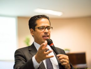 Pastor Jim Galvão, responsável pela secretaria da igreja em todo território Centro-Oeste do Brasil, destacou a importância de priorizar as pessoas acima de ações realizadas pelas organizações.