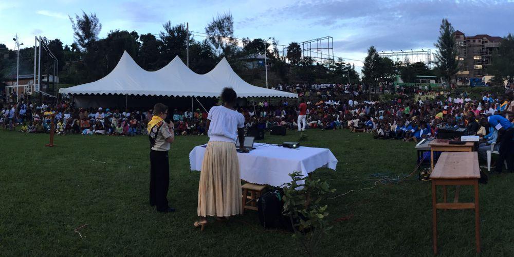 Movimentação levou milhares ao evangelismo no país africano.