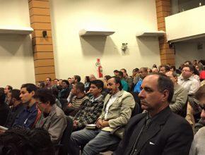 Mais de 400 fiéis participaram do curso. Inscrições são feitas no local.