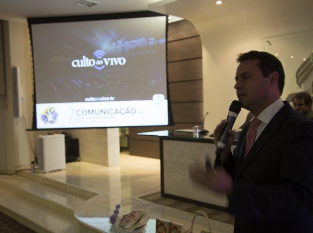 Pastor Odailson Fonseca no lançamento do aplicativo