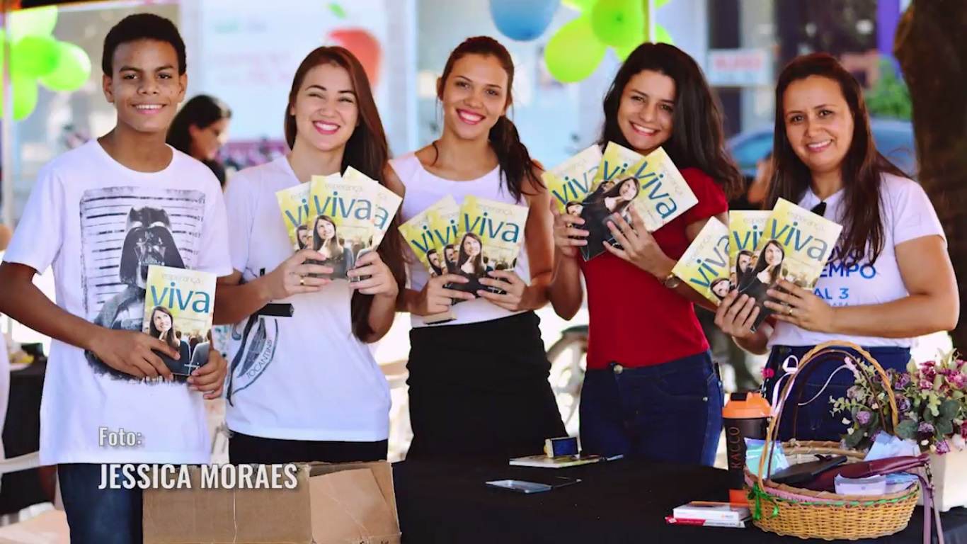 250 mil livros distribuídos. Na foto, jovens de Redenção durante a entrega de exemplares.