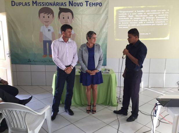 Elton e Maria contaram sua experiência na capacitação para as duplas missionárias em Ariquemes, RO