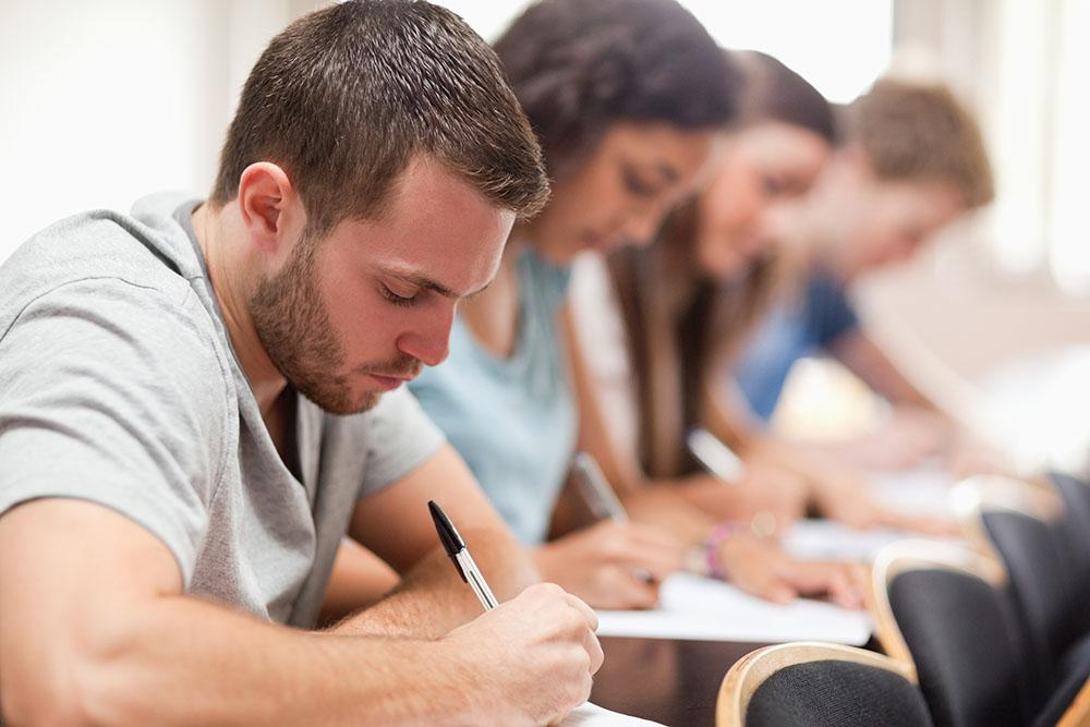 Hoje estudantes que guardam o sábado, por exemplo, enfrentam muitas dificuldades para realizar provas ou atividades nesse dia especificamente.
