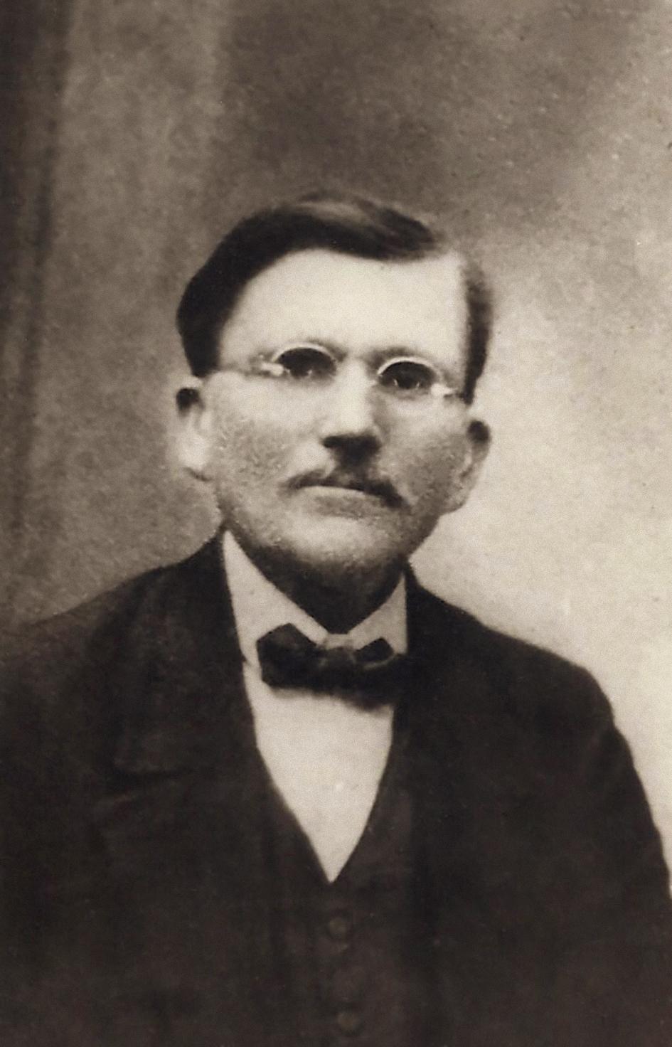 Riffel foi um missionário isolado de outros líderes adventistas por muito tempo na América do Sul até receber apoio oficial.
