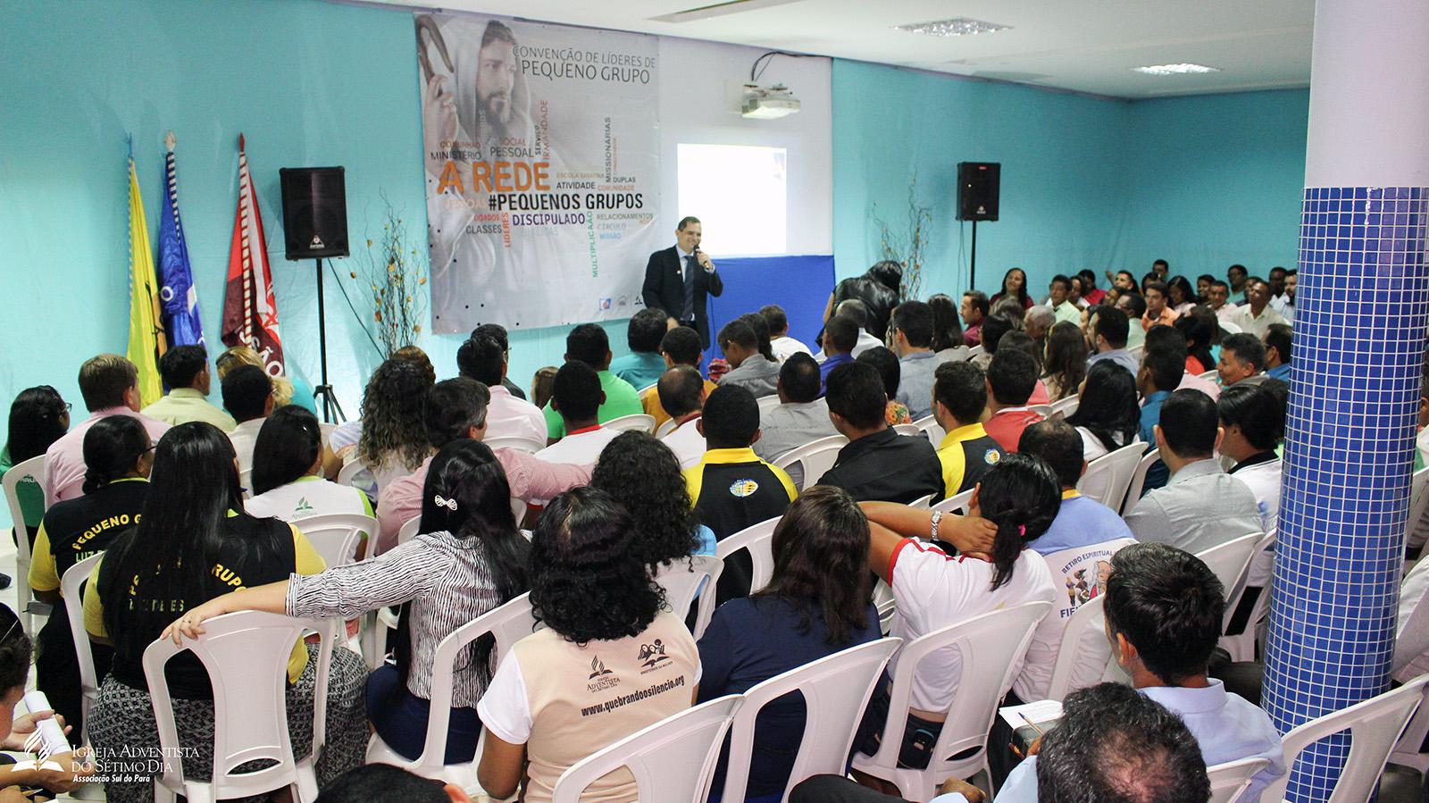 Pastor Ivanildo Cavalcante (MiPes/UNB) durante Convenção de Líderes de PGs em Parauapebas.