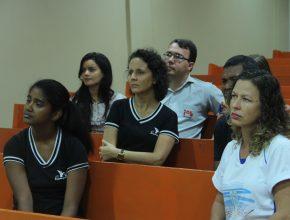 Em Porto Velho, o MAS da Igreja Central se reuniu na capela do Colégio Adventista para acompanhar a programação