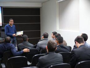 Os encontros têm como objetivo oferecer base e orientações para os instrutores bíblicos.