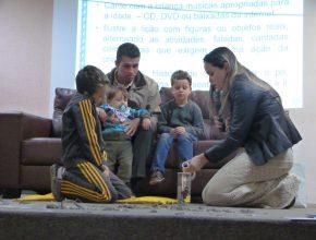 Demonstração de culto familiar realizada pela família ministerial da igreja adventista Central de Campo Grande.