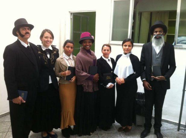 Membros usaram roupas que remontam aos personagens principais da fundação da Igreja Adventista do Sétimo Dia