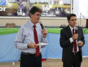 Pastores João Peixoto e Valci Inácio, respectivamente presidente e ministerial da ASuR