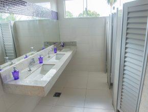 Os banheiros também foram completamente reformados.