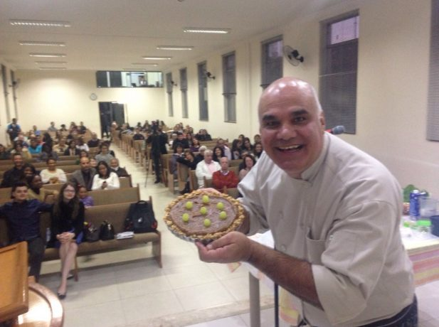 Chef Ricardo Fioravante ensinou receitas saudáveis durante o Congresso