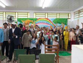 Crianças e idosos participaram de momentos de confraternização. Foto: colaborador local
