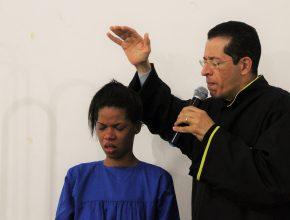 Marcyleia Alves aceita o rebatismo após missão Calebe