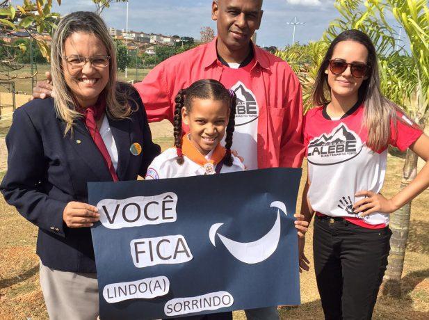 Ana Paula e sua família servem a Igreja Adventista em todos os projetos para jovens.