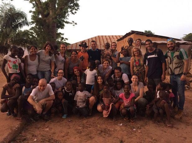 Vinte missionários fazem parte do projeto Change your world.