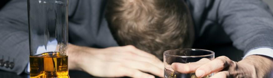 Estatísticas mostram que, em 2012, meio milhão de pessoas morreram no mundo por algum tipo de câncer relacionado à ingestão de álcool.