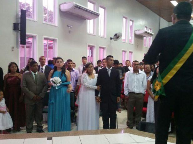 Juiz de paz celebra casamento comunitário em Macapá_AP.