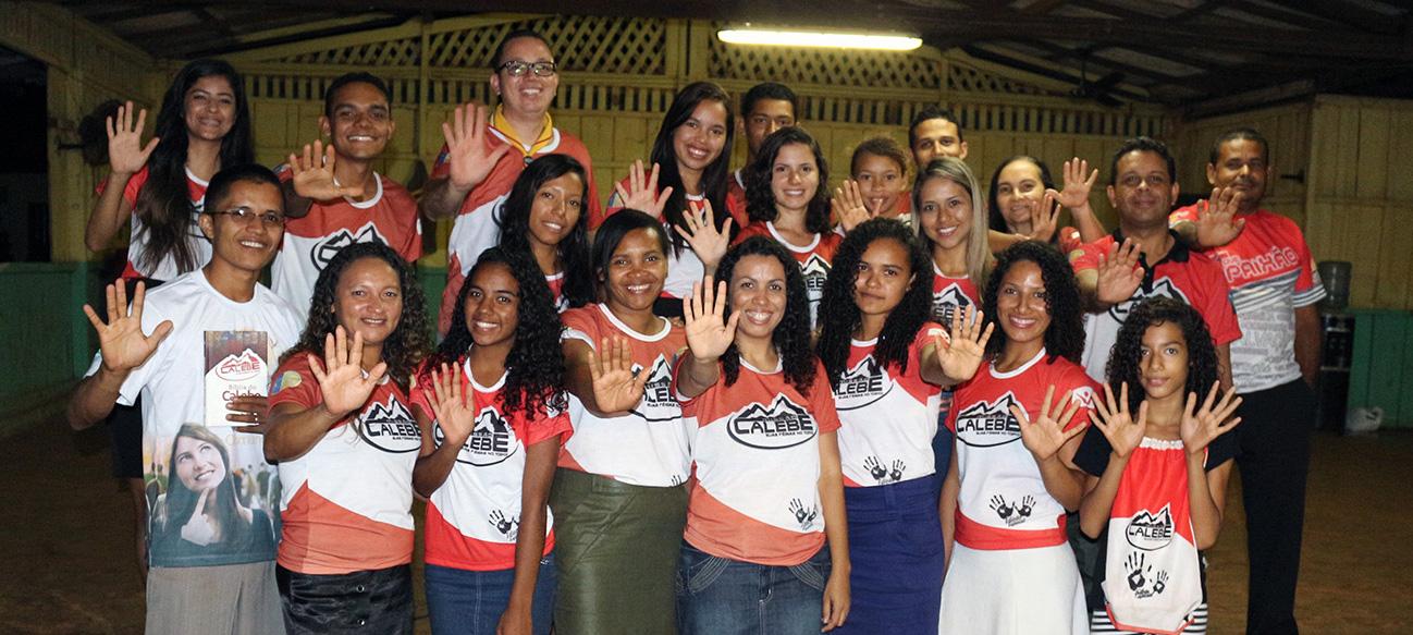 Jovens de Marabá evangelizam a Serra Pelada, no sudeste do Pará.