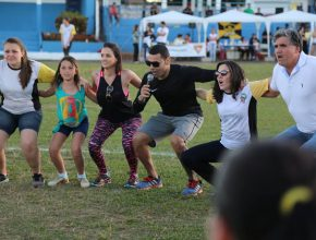 Depois da revitalização, voluntários promoveram atividades físicas. Foto: Henrique Pirota