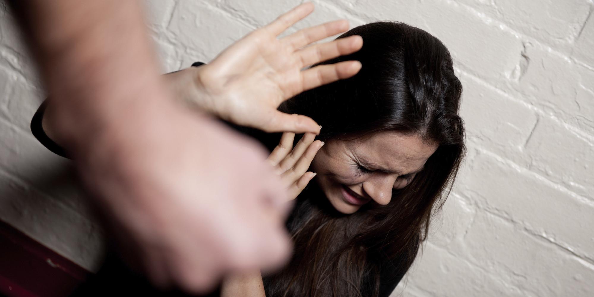 527 mil estupros ocorrem no país e apenas 10% destes casos são registrados junto à Polícia Judiciária.