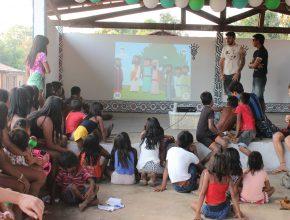 O trabalho social dividia espaço com a parte espiritual que também foi enfatizada nas ações dos jovens.