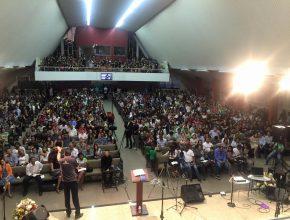ATOS 2015 lotou a Iasd Central do Rio, com capacidade para 1000 pessoas. A programação foi a primeira edição no Rio de Janeiro.