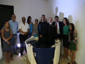 Familiares e amigos acompanharam o batismo do jovem Otávio Henrique