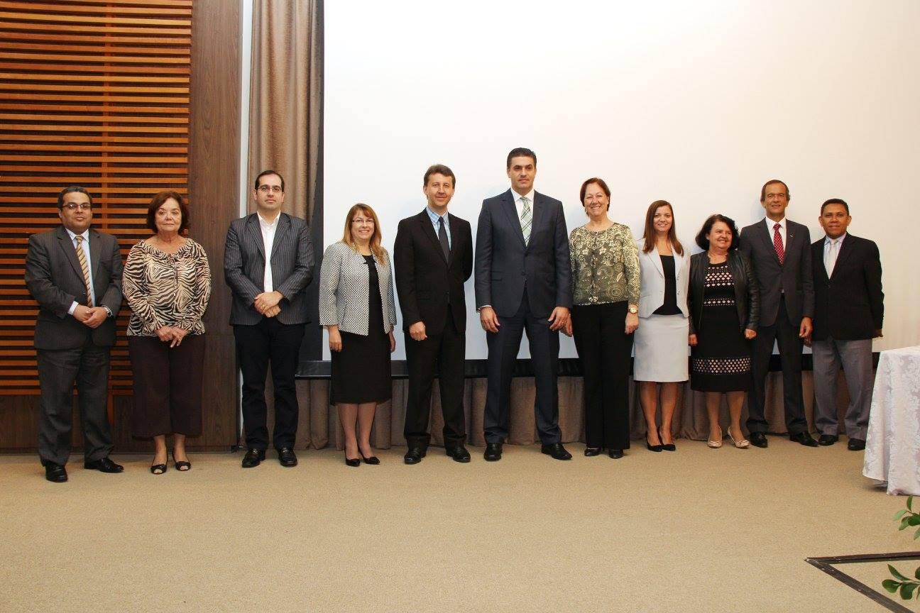 Administradores e docentes do Centro Universitário Adventista de São Paulo (UNASP) participam da cerimônia de lançamento do Mestrado Profissional.