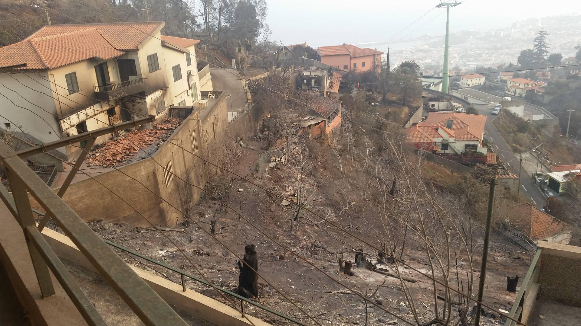 Foto feita por adventista da Ilha da Madeira mostra devastação e algumas casas preservadas.