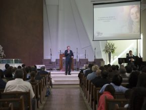 Pastor Herbert Boger finalizando a Semana de Mordomia Cristã na IASD Central Paulistana.