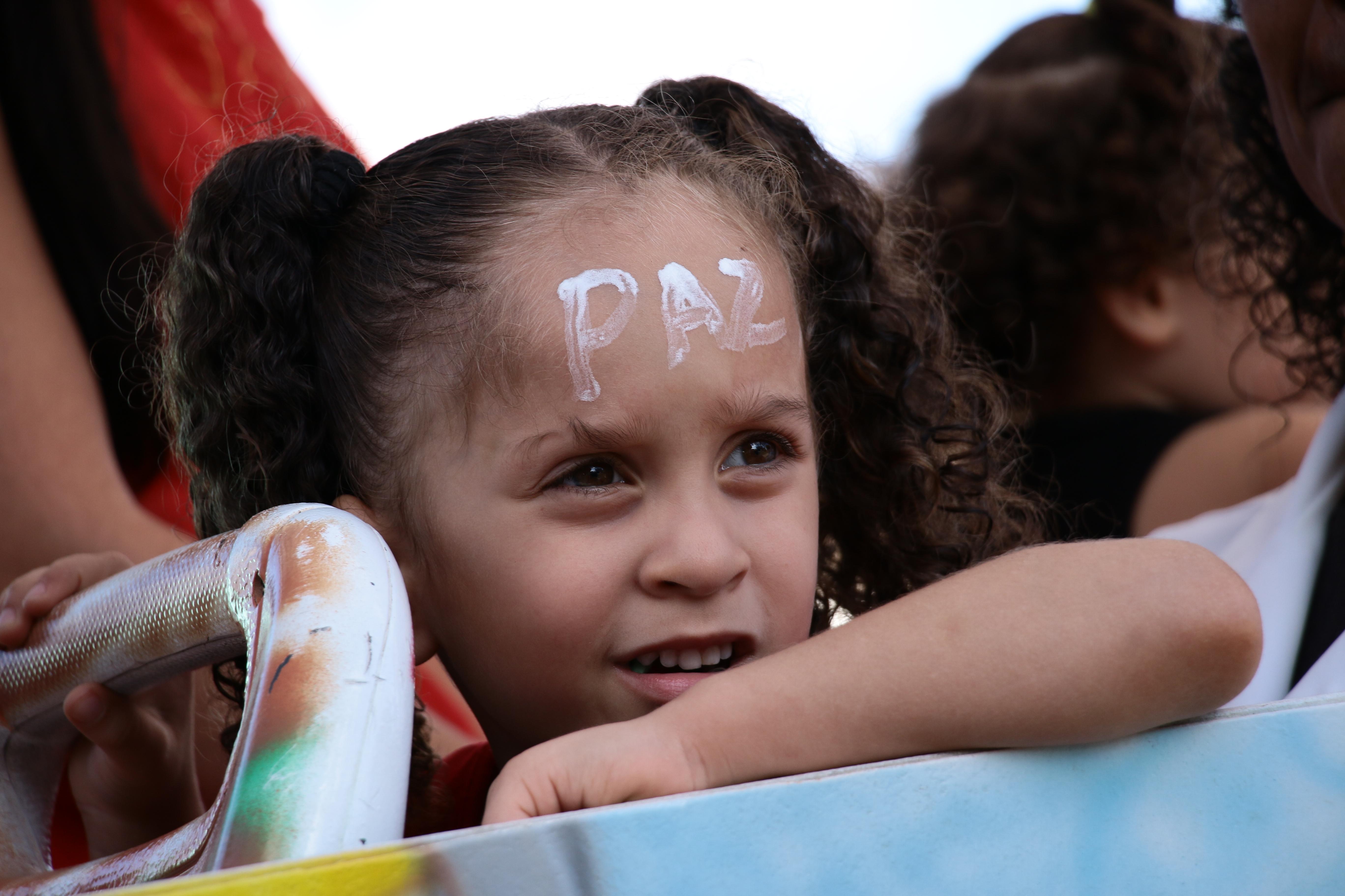 """Crianças participaram da ação a fim de """"Quebrar o Silêncio"""""""