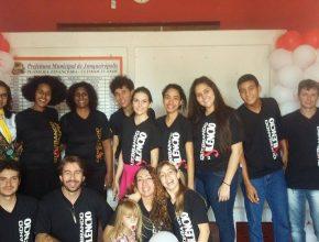 Voluntários participam do evento Quebrando o Silêncio. Foto: colaborador local