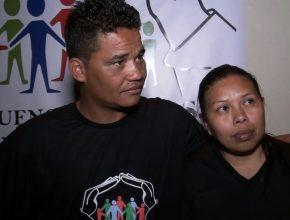 O casal Rosivaldo Corrêa e Joana Soares. Juntos, após estudarem a Bíblia, batizaram-se no último dia 6 de agosto.