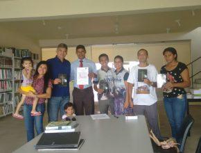 Adriana, Luiz, Pastor, Lucas, Ana e funcionarios da biblioteca