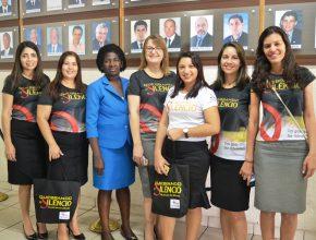 Esposas de pastores e servidoras com a vereadora adventista Caetana Frasão