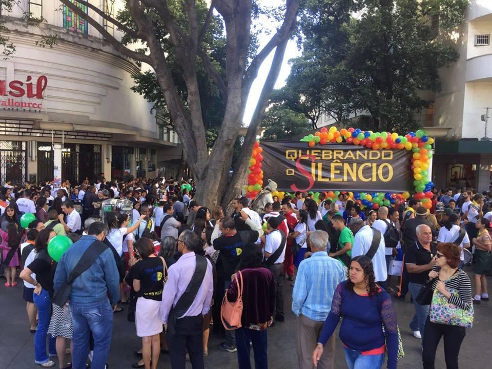 Campanha ofereceu atendimentos jurídicos e psicológicos gratuitos na Praça Sete, no Centro de Belo Horizonte (MG)