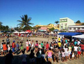 Mais de 400 pessoas foram atendidas em feira após a passeata
