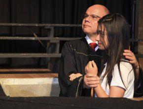 Para reafirmar o propósito da Educação Adventista, o evento foi encerrado com o batismo de uma aluna.