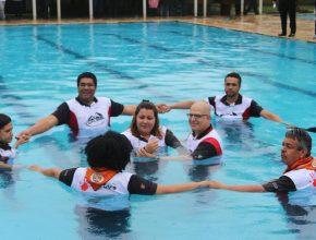 Para a surpresa de todos, Cláudia foi batizada no treinamento e já se comprometeu em participar ativamente da Missão Calebe.