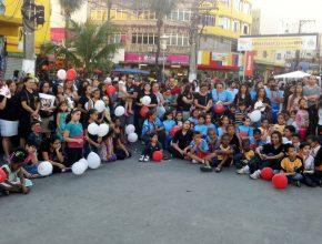 Centenas de pessoas estiveram presente na estação de trem para participar da Campanha.