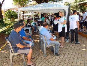 Cerca 70 voluntários falaram sobre os oito remédios da natureza na Feira. Foto: Marcos Picaccio